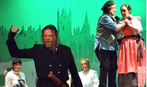 Cast of Oliver